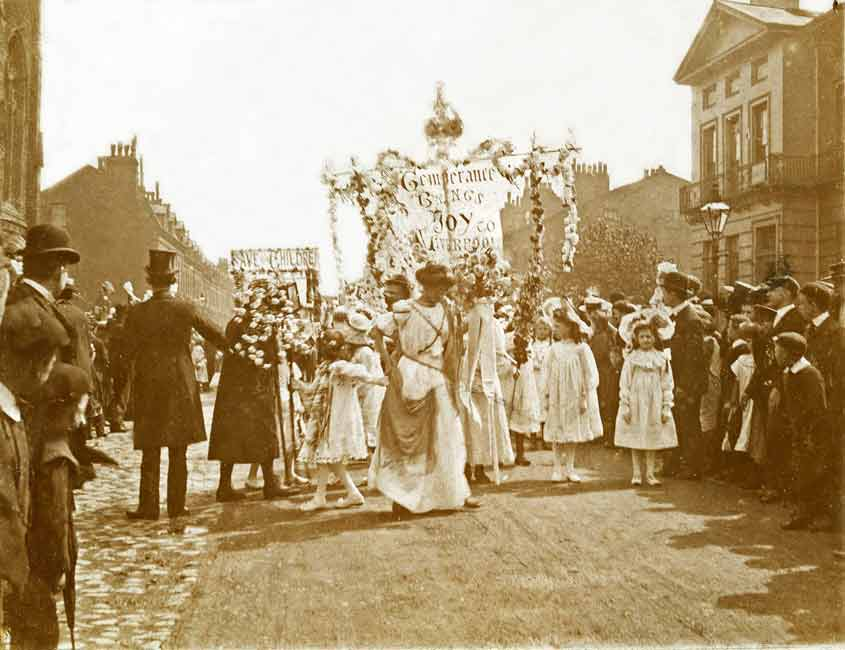 Temperance movement on the streets of Liverpool